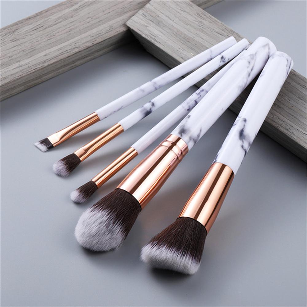 travel makeup brush