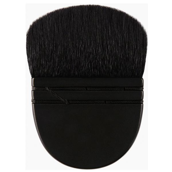 black kabuki brush