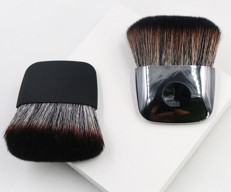 blush cosmetic brush