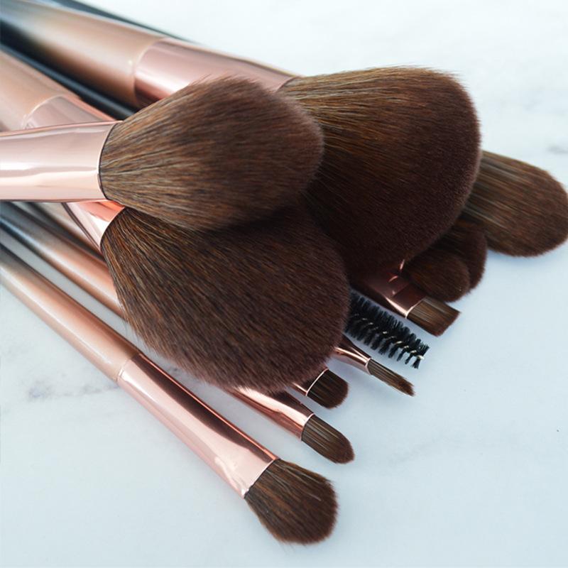 cosmetic brush manufacturer